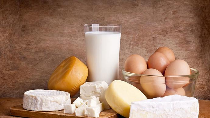 天然去黑頭粉刺1. 減少進食奶類、蛋類食物